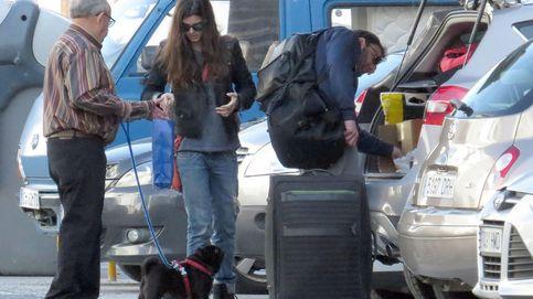La cara más solidaria de Dani Rovira y Clara Lago durante su escapada a Málaga