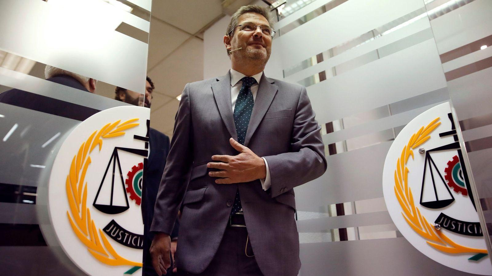 Foto: El ministro de Justicia, Rafael Catalá, en un desayuno. (EFE / Juan Carlos Hidalgo)