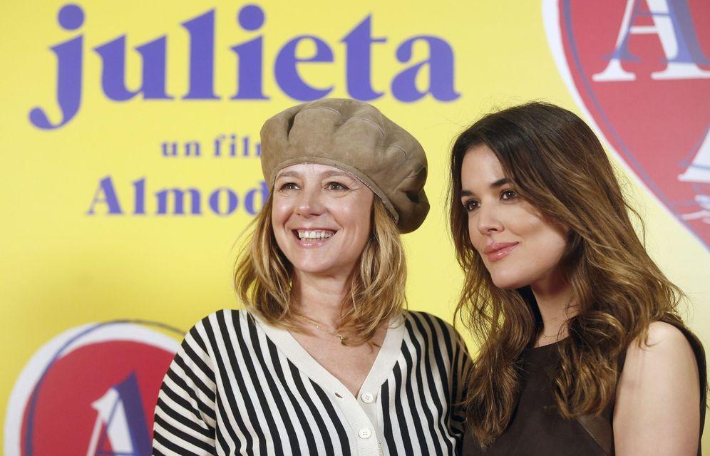 Foto: Emma Suárez y Adriana Ugarte en la presentación en Barcelona (Efe)