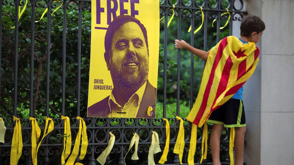 Foto: Pancarta por la libertad de Junqueras. (EFE)