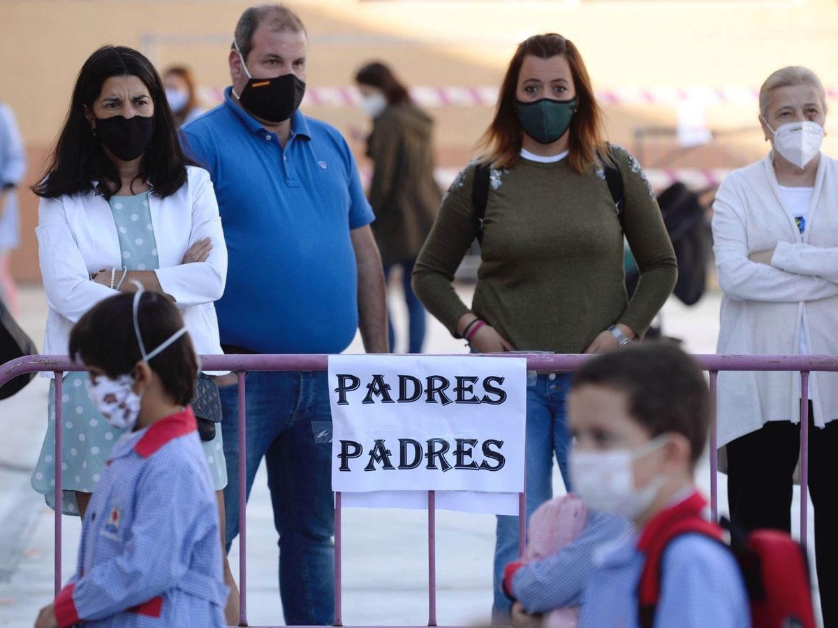 Foto: Los padres deben dar su consentiemiento a las pruebas PCR. Foto: Efe