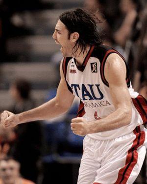 Luis Scola, elegido 'MVP' de la Liga regular 2006-07, en una decisión unánime
