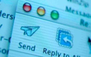 Solo el 11% de los jóvenes lo lee: ¿tiene futuro el correo electrónico?