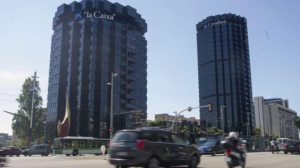 CaixaBank gana 205 M, un 67% menos, y refuerza capital al vender sus TPV