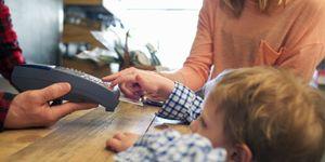 Foto: Consejos financieros  que no debes enseñar a tus hijos