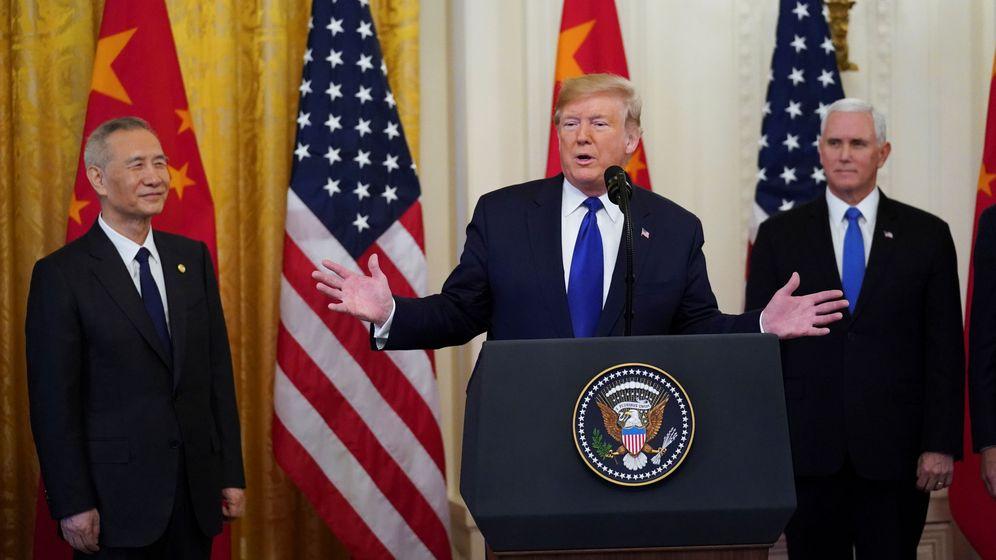 Foto: Trump durante la firma del acuerdo en fase uno (reuters)