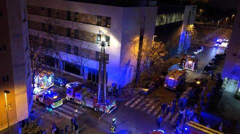 Al menos una fallecida y cinco heridos graves en el incendio de una residencia en Sevilla