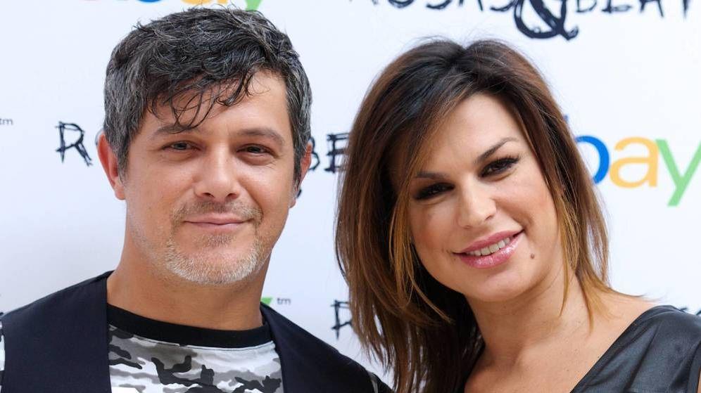 Foto: Alejandro Sanz y Raquel Perera en una imagen de archivo. (EFE)