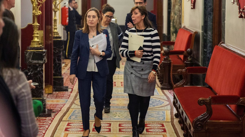 Foto: Mesa de la diputación permanente del Congreso. EFE