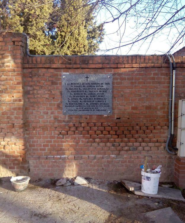 Foto: El ayuntamiento repuso la lápida aduciendo un error interno. (EFE)