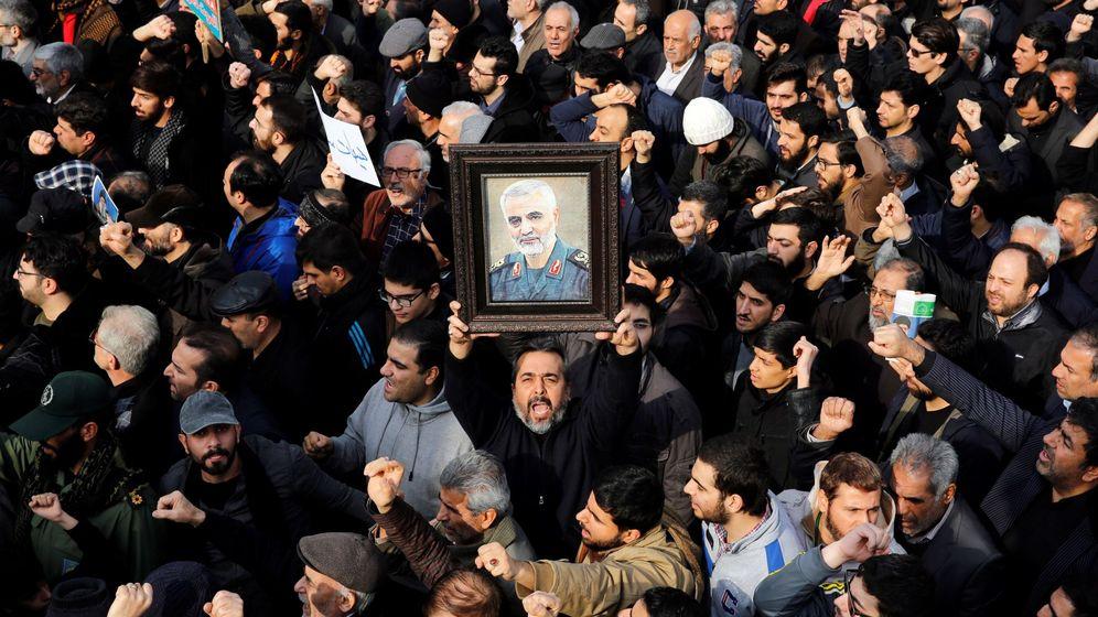 Foto: Protestas en Teherán por la muerte de Qasem Soleimaní. (Reuters)