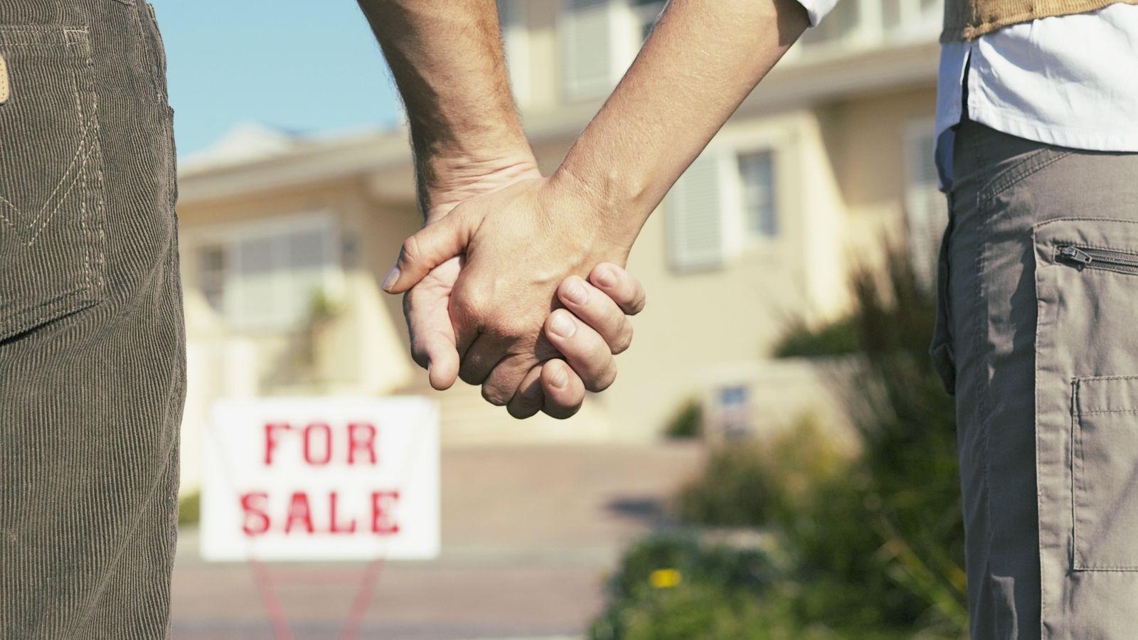 Foto: Cada vez es más complicado no sólo comprar un hogar, sino pagar el alquiler con tan sólo uno o dos sueldos. (Corbis)