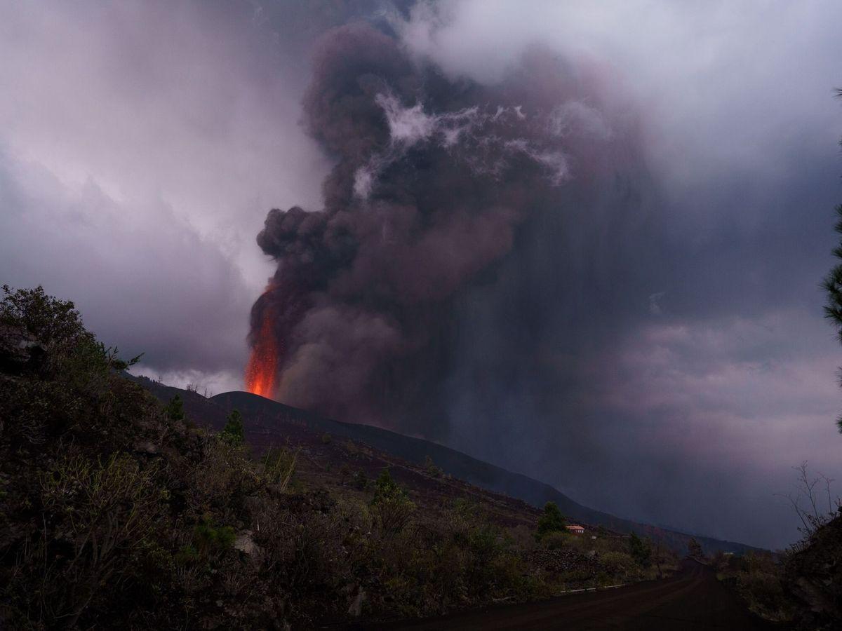 Foto: El volcán de La Palma cumple su cuarto día de erupción. (EFE)