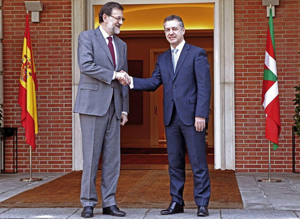 Foto: Rajoy y Urkullu se reúnen en La Moncloa en enero de 2013 en su primer encuentro oficial como titulares de los ejecutivos español y vasco. (EFE)