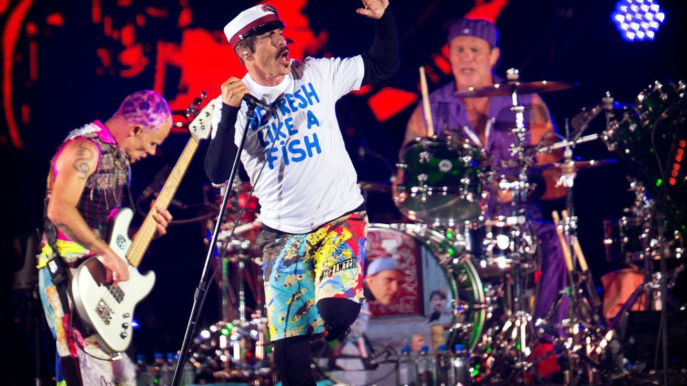 Foto: Red Hot Chili Peppers actúan en el Roskilde Festival de Dinamarca el pasado junio