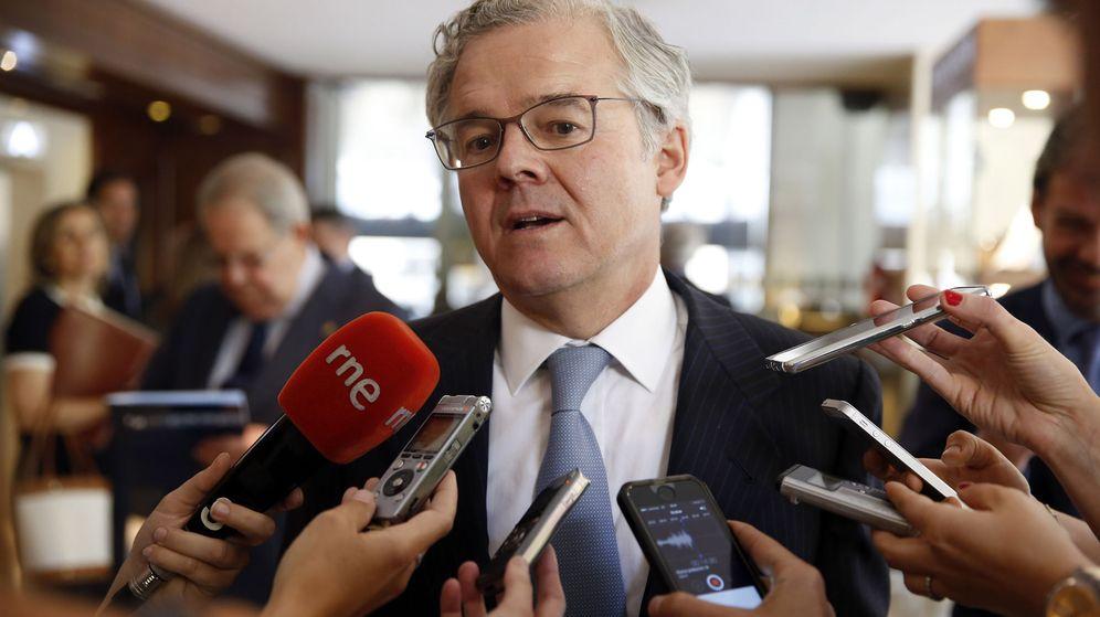 Foto: Conferencia del presidente de la CNMV, Sebastián Albella. (EFE)