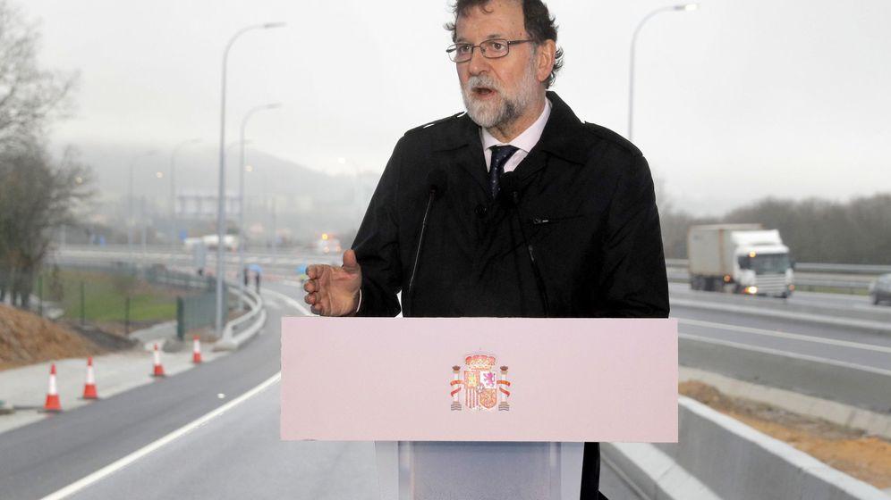 Foto: Rajoy durante su discurso en la puesta en marcha de la ampliación de la AP-9 en Santiago. (EFE)