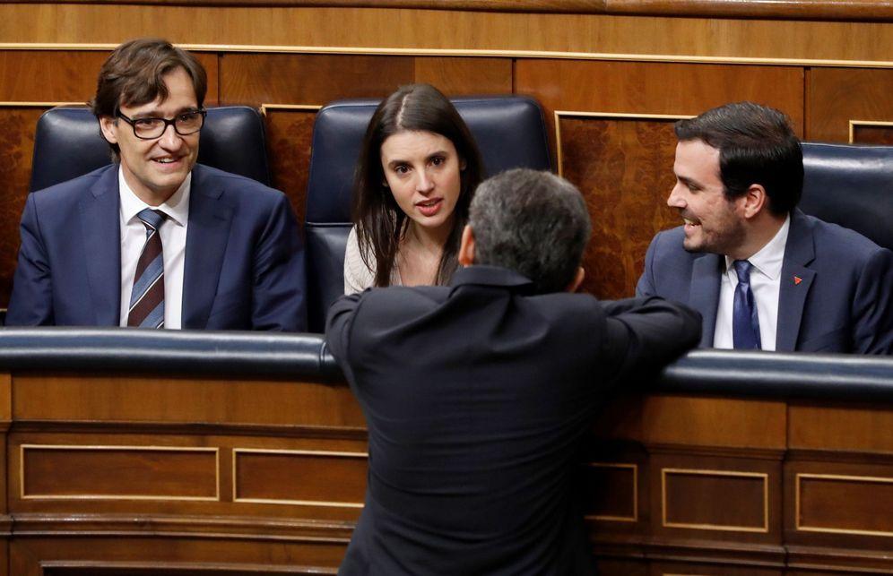 Foto: Salvador Illa, Irene Montero y Alberto Garzón, ministros de Sanidad, Igualdad y Consumo, el pasado 3 de febrero en el Congreso. (EFE)