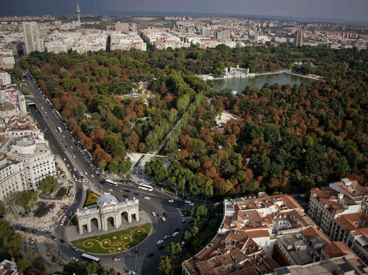 Foto: Vista aérea del parque del Retiro en Madrid. (EFE)