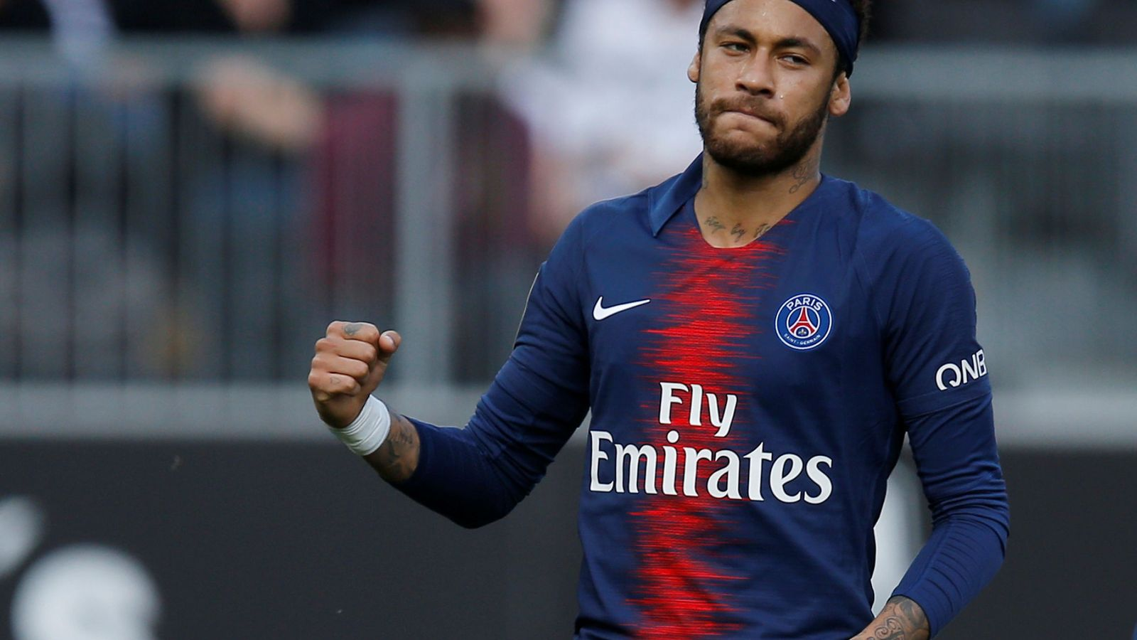 Foto: Neymar con la camiseta del PSG. (Reuters)