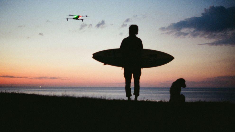 Una vuelta por el mundo con una tabla de surf y un dron como compañero
