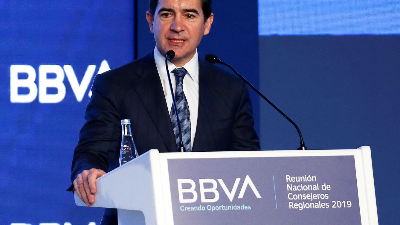 Torres cree que la salida de EEUU ayudará a BBVA a afrontar un mayor recorte de costes
