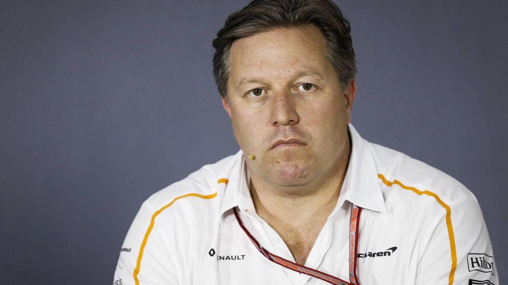 Foto: Zak Brown, máximo responsable de McLaren, se une a Red Bull para avisar que estudiará su continuidad en la F1 dependiendo de su nueva estructura (IMAGO)
