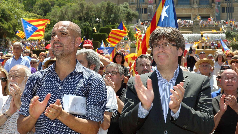 Pep, junto a Puigdemont (EFE)