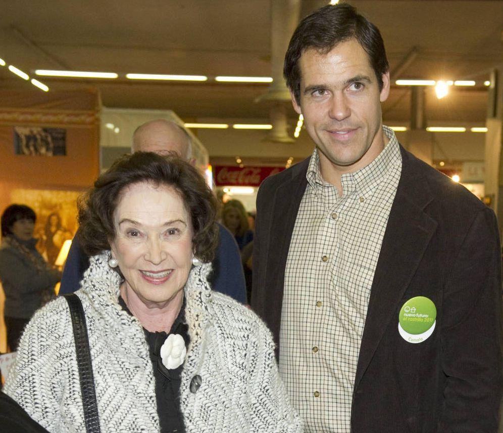 Foto: Luis Alfonso de Borbón y su abuela Carmen Franco. (Gtres)