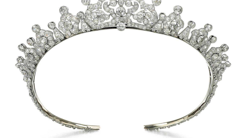 La subasta de unas joyas pone en evidencia los escándalos del ducado de Mandas