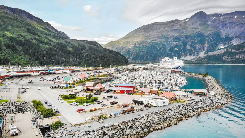 Whittier también es un puerto de referencia para la autopista marina de Alaska (Fuente: iStock)