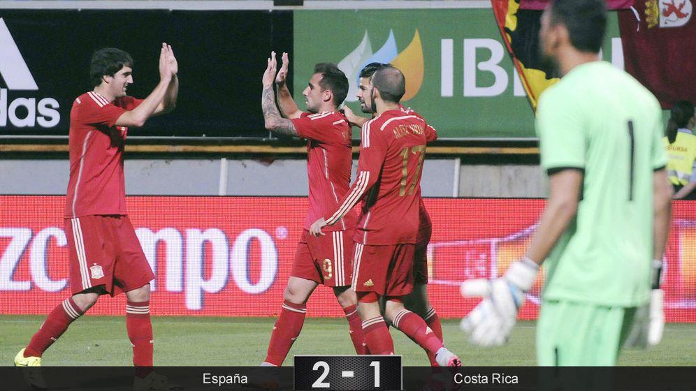 Foto: España gana a Costa Rica entre pitos a Piqué y paradas de Keylor Navas