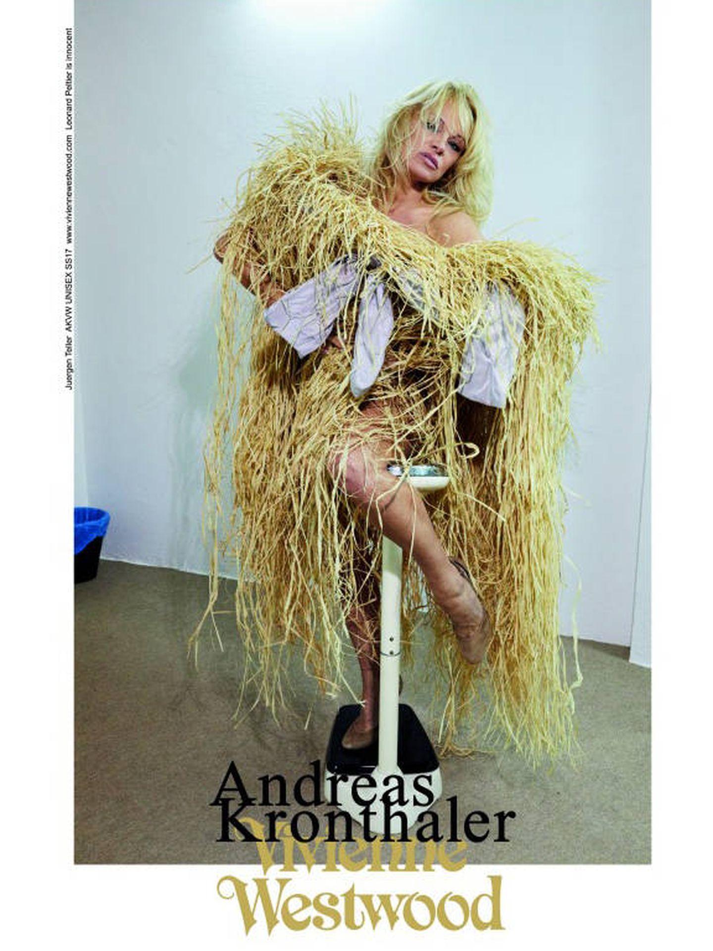 Pamela Anderson para Vivienne Westwood.