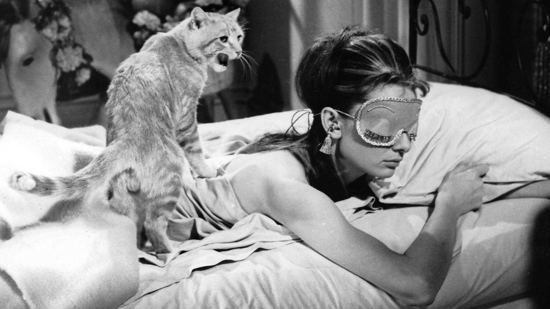 Beneficios de dormir con el antifaz adecuado. (Fotograma de 'Desayuno con diamantes'   Cordon Press)