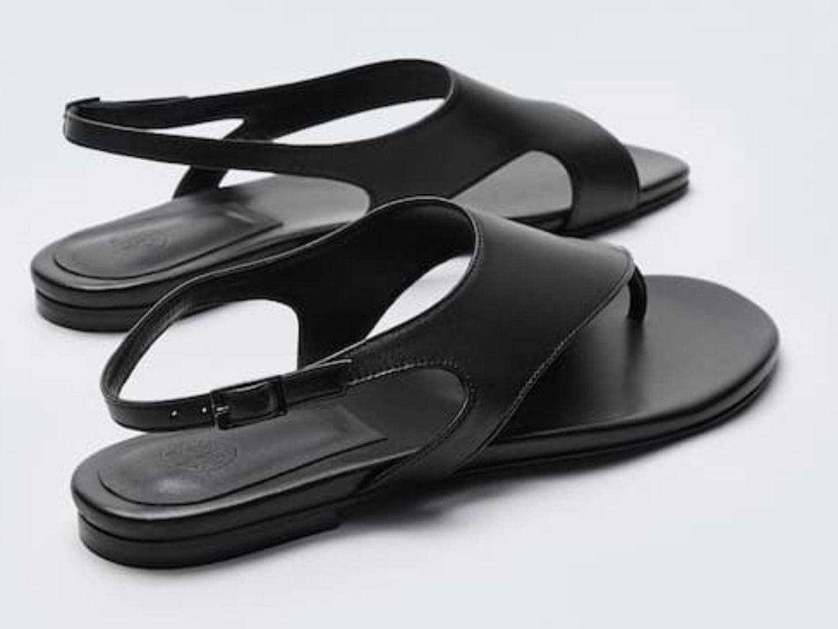 Foto: Las sandalias planas de la tienda online de Massimo Dutti. (Cortesía)
