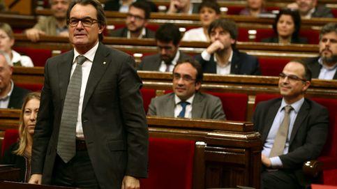 Fitch rebaja el riesgo de Cataluña a bono basura por el proceso independentista