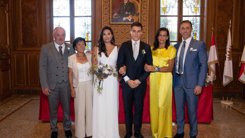 Estefanía escogió un vestido de Alter Designs de 750 euros para la boda civil de su hijo. (Palais Princier)