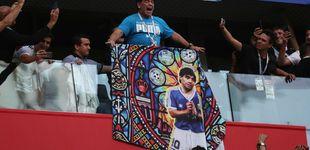Post de El espectáculo de Maradona: baile, peineta y un desfallecimiento
