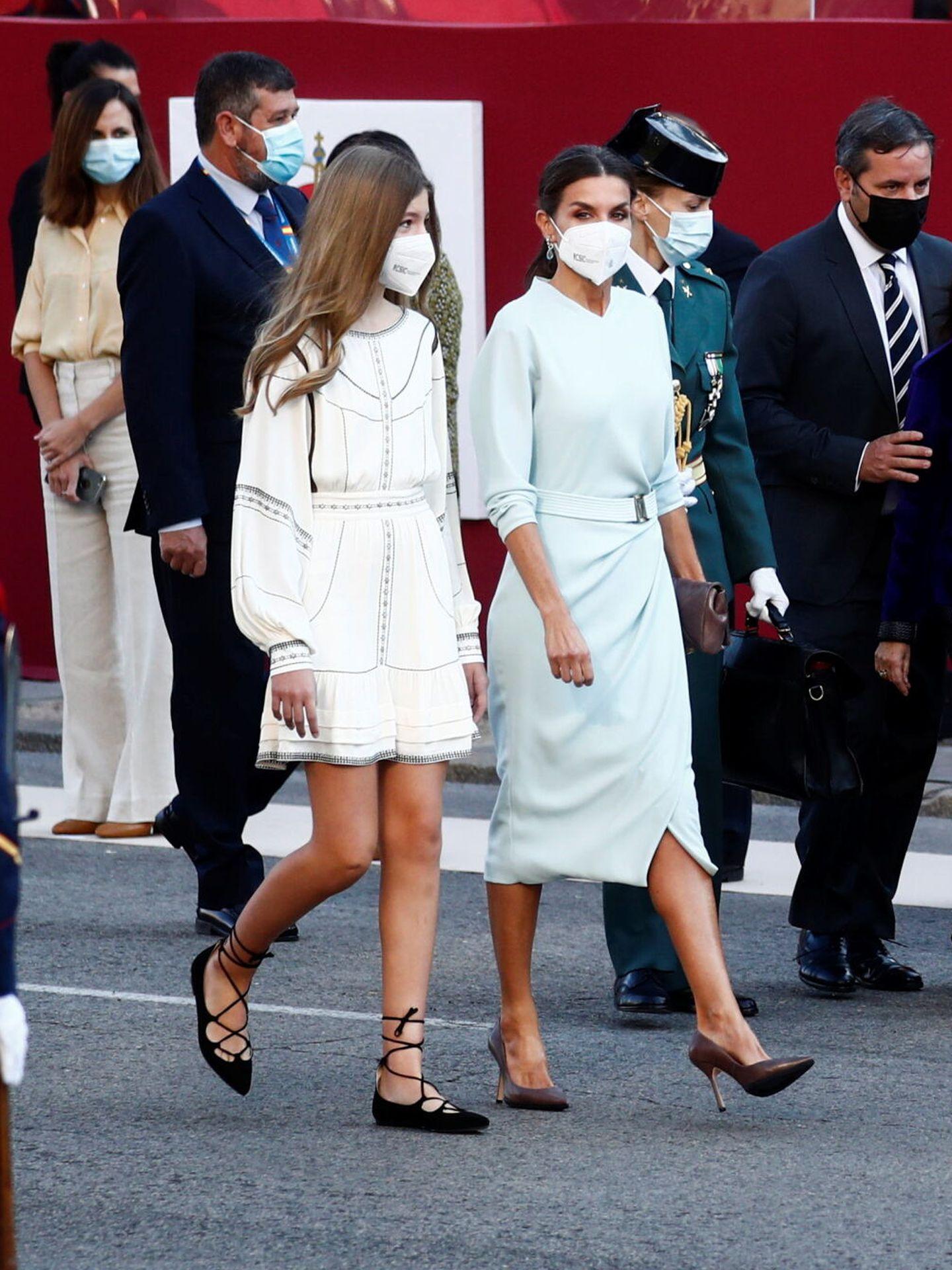 La reina Letizia y la infanta Sofía. (Reuters)