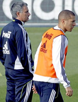 Mourinho: 'Hay otros tan caros como Benzema que no le hacen un gol a nadie y no se les critica'