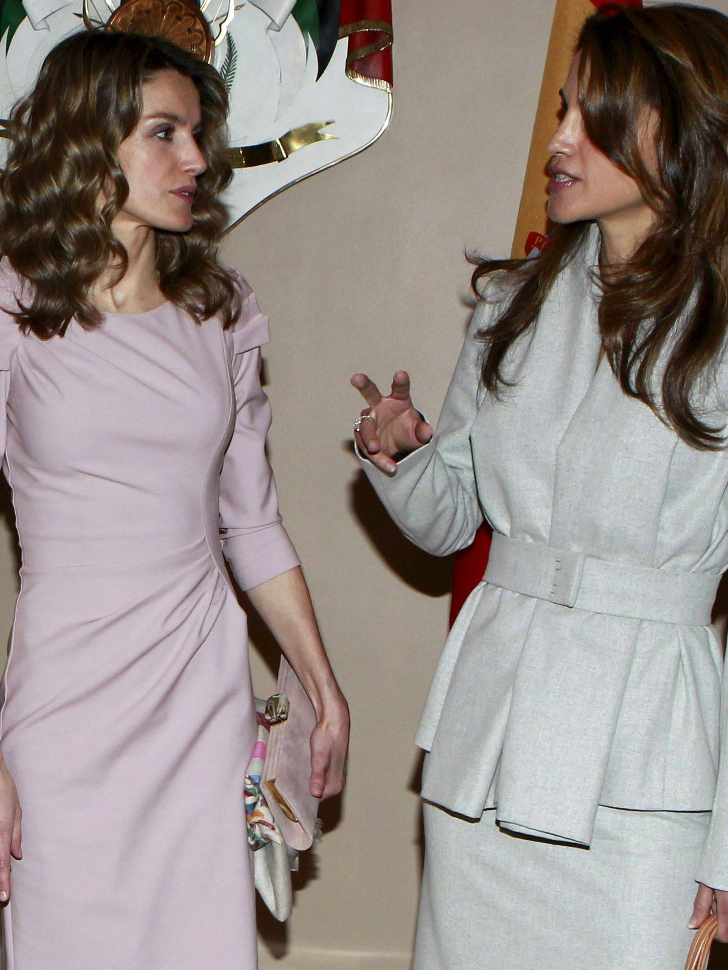 Rania, junto a Letizia en Amán. (EFE)