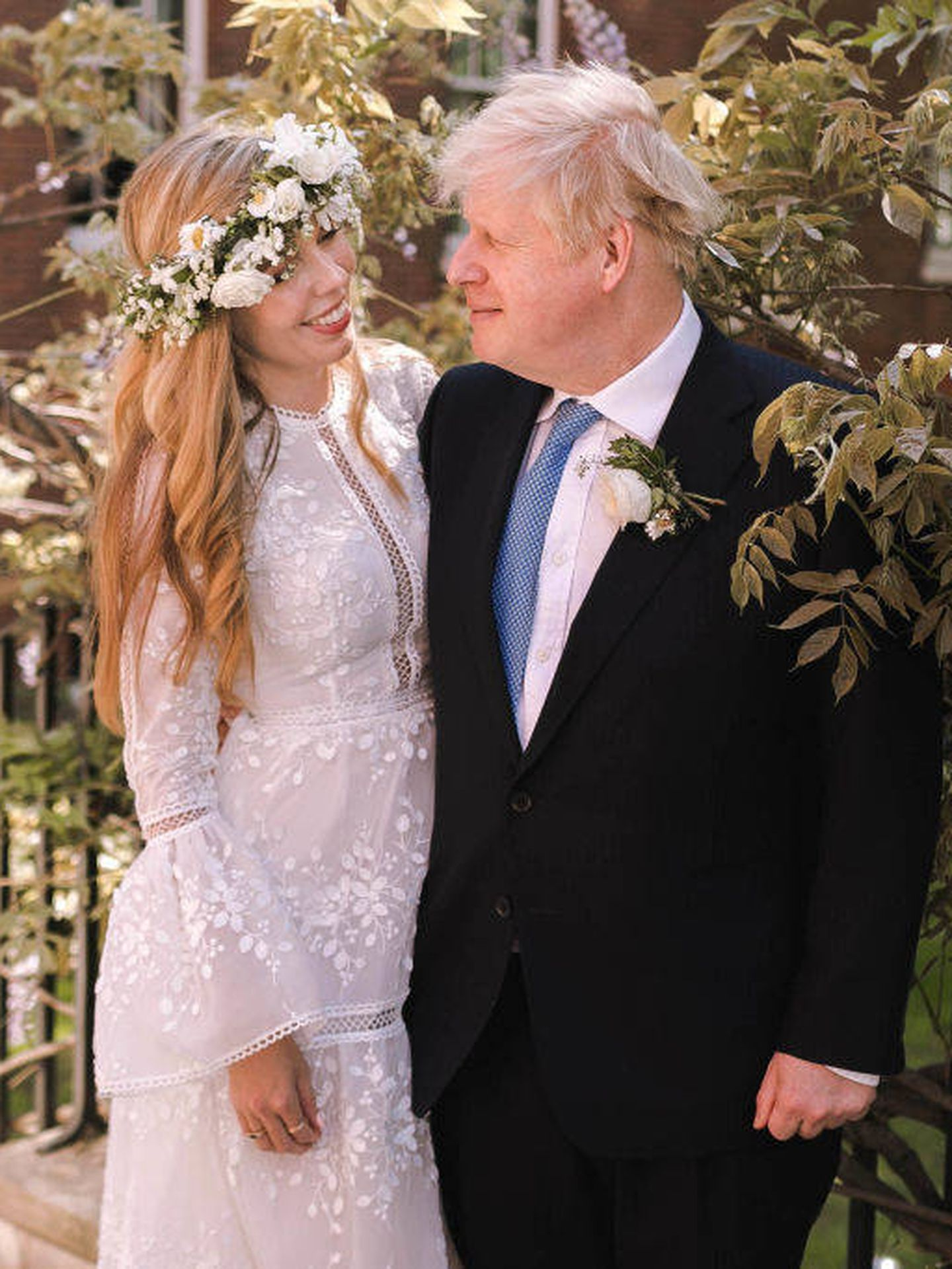 Carrie Symonds y Boris Johnson en su boda. (Getty)