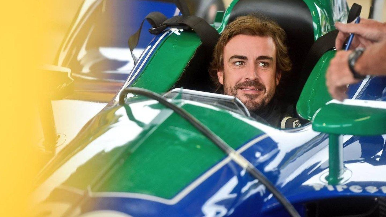El asturiano se mostró feliz de volver a subir a un monoplaza de la IndyCar. (Twitter: @FollowAndretti)