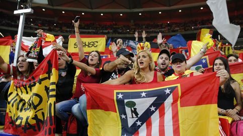 '¡Que viva España!' e invasión de banderas nacionales: el Metropolitano alzó la voz