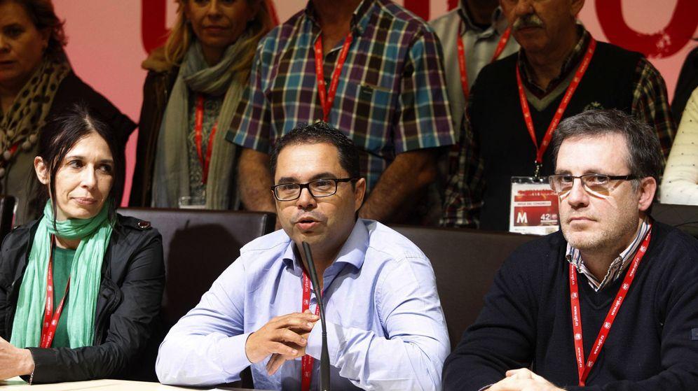 Foto: El secretario general de UGT-Canarias, Gustavo Santana (c). (EFE)