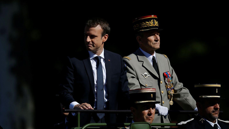 Emmanuel Macron (izq.) y el general De Villiers en 2017. (EFE)