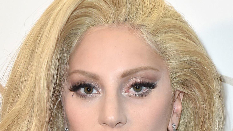 La peluca de Lady Gaga os saluda.