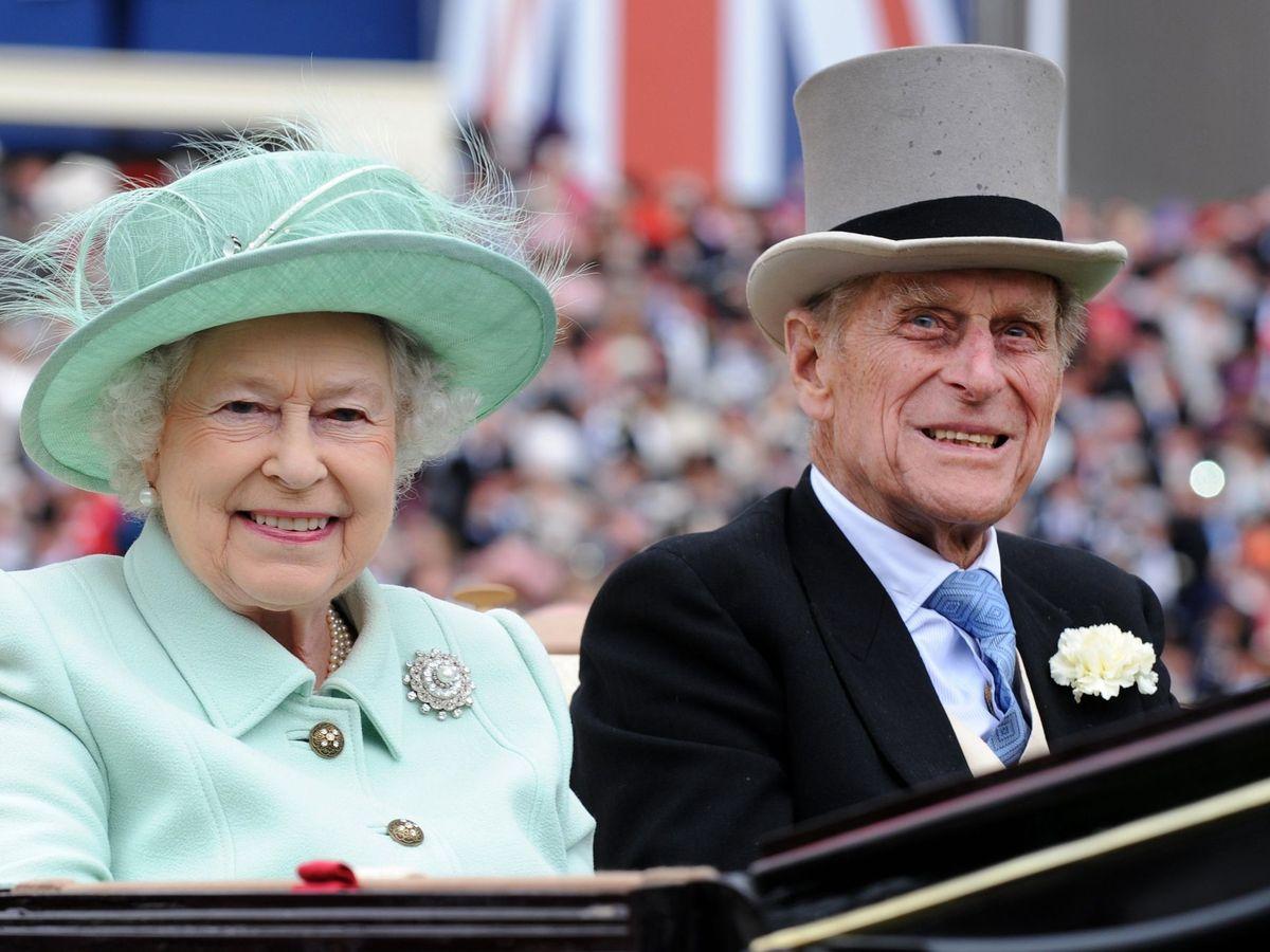 Foto: Isabel II y Felipe de Edimburgo en una imagen de archivo.(EFE)