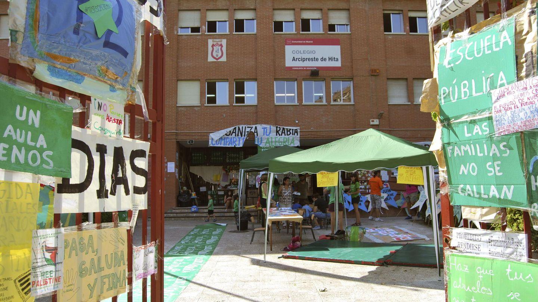 Protestas en el colegio Arcipreste de Hita de Fuenlabrada. (EFE)