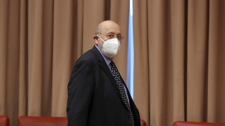 Tezanos se queja de los descalificativos de la oposición e insiste en que no insultó a Ayuso